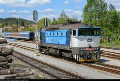 Net Photo: CD 754 058 5 Ceske Drahy CD 754 at Kajov, Czech Republic by Jaroslav Dvorak Location Map, Photo Location, Diesel Locomotive, Czech Republic, Trains, Europe, Vehicles, Vintage, Train Tracks
