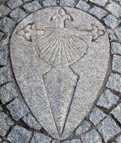 Croix de Saint Jacques de Compostelle sur trottoir <- Love this! I want this as a tattoo!!