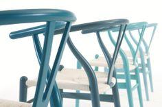 Y-stolen af Wegner. En klassiker i nye farver.