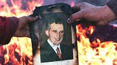 25. december 1989 Nicolae Ceausescu Elena romania dead - Hľadať Googlom Iron Fist, Romania, Death, It Cast, History, December, Country, Christmas, Xmas