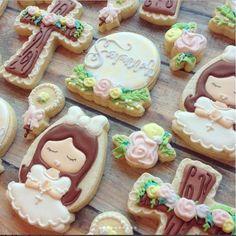 Alice in Wonderland cookie cutter kneeling communion girl