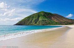 Mawun Beach, Lombok    Mawun Beach, Lombok, Indonesia
