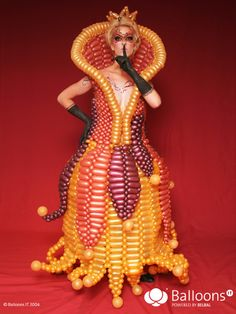 Amazing Balloon Dresses! | Twisting across the USA!