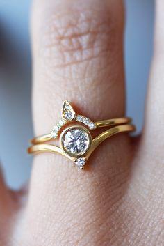 Bindi amazing minimal engagement diamond ring !!! yellow gold LOVE ! PERFECT diamond rings !
