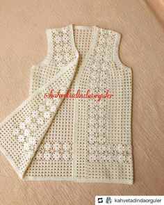Crochet Dreamcatchers – Trenza realzada tejida con dos agujas facil – Knitting patterns, knitting designs, knitting for beginners. Crochet Beach Dress, Crochet Baby Dress Pattern, Crochet Coat, Crochet Clothes, Crochet Lace, Blanket Crochet, Crochet Pincushion, Crochet Stitches Patterns, Knitting Patterns