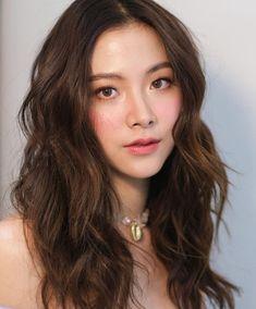 Day Makeup Looks, Summer Makeup Looks, Beauty Makeup, Hair Beauty, Asian Hair, Beautiful Asian Girls, Asian Beauty, Instagram, Sweet Makeup