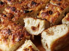 Easy Roasted-Garlic Focaccia