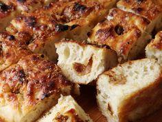 Easy Roasted-Garlic Focaccia Recipe | Serious Eats