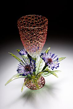 R Jason Howard is a progressive glass artist who specializes in borosilicate flameworking (Cicada Glassworks)