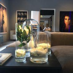 Friday Morning   Have a nice day ! We are open till 18.00. #design #jandesbouvrie #moniquedesbouvrie #lifestyle #naarden #amsterdam #netherlands #stylist #mode #fashion #architecture #interiordesign #meubel #interieur #wonen #living #house #home #bank #gelderlandbank #inrichting #inrichten