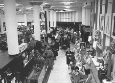 Chicago Photos, State Street, Present Day, Department Store, Old Pictures, Fields, City Photo, Past, Christmas Specials