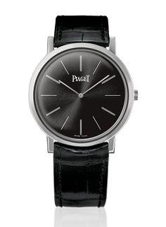 Piaget montre Altiplano noir http://www.vogue.fr/vogue-hommes/montres/diaporama/horlogerie-montres-homme-all-black-cadran-noir/20709/image/1105553#!piaget-montre-altiplano-noir