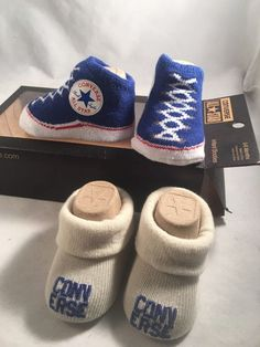 a0847cbfbc1d 2 Pair Converse Chuck Taylor 0-6 Months Baby Booties Infant Blue White Gift  (