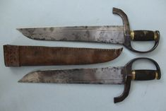 Buyers and sellers of antique swords, weapons and related artifacts. Fine and rare authentic antique swords, daggers & edged weapons from all corners of the world. Butterfly Swords, Butterfly Knife, Swords And Daggers, Knives And Swords, Chinese Butterfly, Tibet, Chinese Weapons, Martial Arts Weapons, Willow Leaf