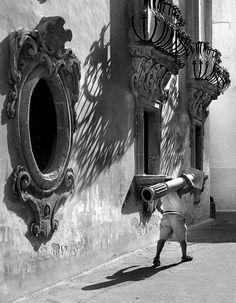 Gallipoli (old town), Salento. www.findyouritaly.com