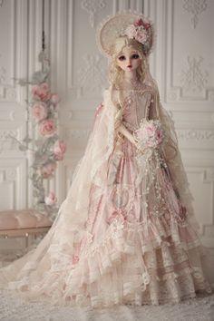 Pretty Dolls, Cute Dolls, Beautiful Dolls, Victorian Dolls, Vintage Dolls, Anniversary Dress, Diy Doll Miniatures, Homemade Dolls, Fairy Clothes