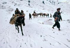 Travelers, Afghanistan. // Photography: Steve McCurry