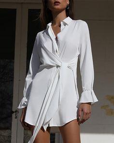 Camisa delantera con nudo sólido vestido