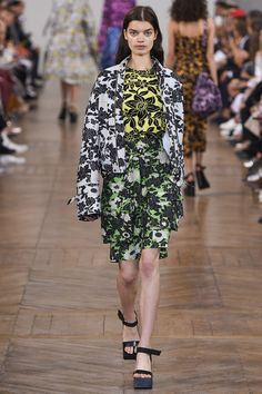 Christian Wijnants - Spring 2017 Ready-to-Wear