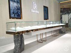 Jewelry Store Interior Design with Display Case & Store FixtURES Jewellery Shop Design, Jewellery Showroom, Designer Jewelry, Jewellery Displays, Showroom Interior Design, Counter Design, Shop Fittings, Store Interiors, Store Fixtures