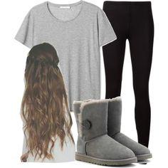 Comfy & Cute. Black Leggings & Grey T-Shirt.