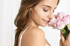 A rétegezés trendi! Nemcsak az öltözködésben, hanem az illatok világában is. Mi is az az illatrétegezés? Eláruljuk, hogy egyszerű kémiáról van szó, amelynek köszönhetően egész nap finom illatunk lesz. Ráadásul az illatok a jókedvünkről is gondoskodnak! Frizura & Szépség