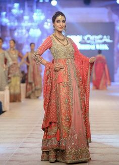 Pakistani & Indian Fashion Bridal Wedding Gowns Designs Collection 2015-2016 (27)
