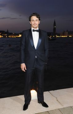 James Franco Photos - James Franco attends the 2011 GUCCI Award For Women In Cinema at Hotel Cipriani on September 2, 2011 in Venice, Italy. - 2011 GUCCI Award For Women In Cinema - 68th Venice Film Festival