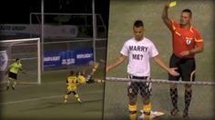Ein Traumtor, ein Heiratsantrag und ein herzloser Schiedsrichter, der knallhart Gelb zieht. Bei so einer Romantik sollte man die Karte doch stecken lassen oder? p.s.: Sie hat übrigens JA gesagt.