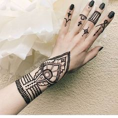 Henna @tabl_trouble