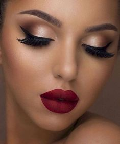Holiday makeup looks; promo makeup looks; wedding makeup looks; makeup looks for… Holiday makeup looks; promo makeup looks; wedding makeup looks; makeup looks for brown eyes; glam makeup looks. Party Makeup Looks, Glam Makeup Look, Makeup Eye Looks, Wedding Hair And Makeup, Hair Makeup, Beauty Makeup, Makeup Style, Bridal Makeup Red Lips, Makeup Looks For Prom