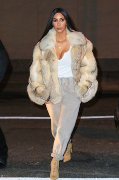January 16th, 2017 - Kim out in NYC