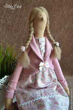 Купить или заказать Тильда: куклы Люси и Розочка в интернет магазине на Ярмарке Мастеров. С доставкой по России и СНГ. Материалы: хлопок 100%, хлопковый трикотаж,…. Размер: 46 см