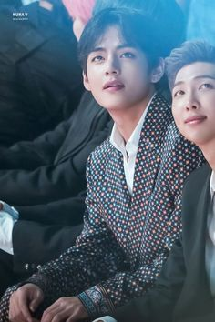From breaking news and entertainment to sports and politics, get the full story with all the live commentary. Bts Taehyung, Jimin, Bts Bangtan Boy, Bts Boys, Namjoon, Daegu, Foto Bts, Oppa Gangnam Style, V Bts Wallpaper