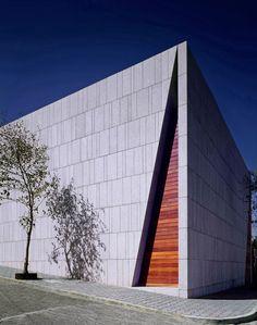 Mourning House von Pascal Arquitectos   Sakralbauten / Gemeindezentren