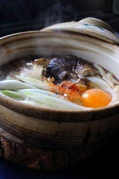 舞茸鍋焼きうどんをフーフー by きゃりあおばさんさん | レシピブログ ...