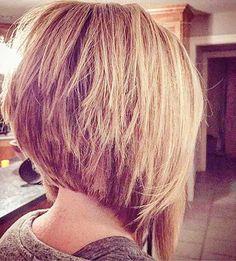 Unbelievable The whole hairstyle industry is changing yearly. Modern hairstyles are having more flexible variations, mixing old with new. Some of these modern variations are inverted bob hairstyles. Inverted Bob Hairstyles, Short Bob Haircuts, 2015 Hairstyles, Modern Hairstyles, Haircut Short, Hairstyle Short, Bob Haircut For Round Face, Curly Hairstyles, Layered Hairstyles