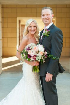Check out more of this gorgeous couple's wedding on the Blog! | Photography: Taylor Forester at Holli B Photography | Wedding Inspiration | Brides of Oklahoma #bridesofok #oklahomawedding #cutecouples