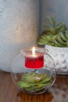 Porte-lampion Clearly Creative™ Rond Support en verre moulé posé sur une base en verre soufflé. Haut. 10 cm.  Pour lampions et bougies à réchaud dans le porte-bougie.