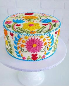Buttercream embroidery inspired by Spring 🧡🌼🌿🦋🌸❤️ - Cake Decorating Writing Ideen Gorgeous Cakes, Pretty Cakes, Cute Cakes, Amazing Cakes, Cake Cookies, Cupcake Cakes, Spring Cake, Gateaux Cake, Piece Of Cakes