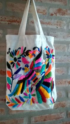 Sashiko Embroidery, Embroidery Bags, Learn Embroidery, Hand Embroidery Designs, Embroidery Stitches, Mexican Embroidery, Sweet Bags, Diy Tote Bag, Angel Crafts