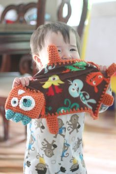Repeat Crafter Me: Free Monster Fleece Lovey Blanket Tutorial.  These are so incredibly cute and would be such a great baby shower gift!
