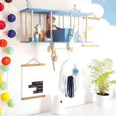 Schwungvoll starten wir in einen sonnigen Donnerstag! Danke liebe Sarah von @eddie_eisbaer für dieses farbenfrohe Foto Deiner good moods Lichterkette!  #somewhereovertherainbow #goodmoods #thursday #throwback #lights #lichter #farben #kinderzimmer #doppeldecker #stringlights #blue #wolken #blau #kidsroom #interiordesign #farbenfroh #kidsofinstagram #lichterkette #regenbogen #farben #kindgerecht #shop #rabatt #summersale #2018