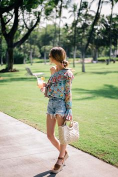 5a1f964e514b86 Dressing Up Denim Shorts for Spring (and Summer