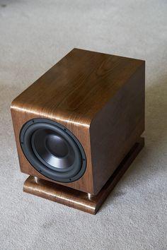 The Tenacious Bass 6 and 8 Subwoofers Diy Subwoofer, Subwoofer Box Design, Speaker Box Design, Audiophile Speakers, Speaker Amplifier, Audio Speakers, Diy Bluetooth Speaker, Speaker Plans, Sound Speaker