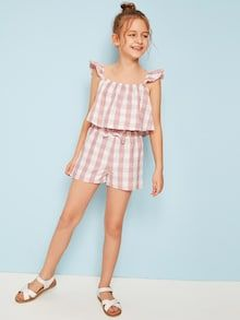 To find out about the Girls Ruffle Strap Gingham Top & Bow Waist Shorts Set at SHEIN, part of our latest Girls Two-piece Outfits ready to shop online today! Cute Outfits For School, Cute Girl Outfits, Little Girl Dresses, Kids Outfits, Girls Dresses, Kids Dressy Clothes, Cute Young Girl, Girl Dress Patterns, Kids Wardrobe