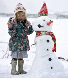 Coldest night in THREE YEARS on its way tonight and Britain will be colder than Mount Everest: get ready for and a week of snow, ice and freezing weather is ahead Cold Night, Snow And Ice, Winter Kids, Winter Wonder, Cold Weather, Britain, Snowman, Frozen, Devon England