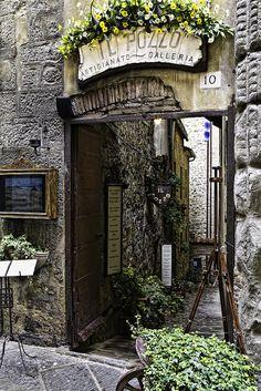 IL POZZO, Art & Photo Gallery, Cortona, Italy--I bet Frances Mayes has been in here many times.