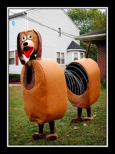 For Halloween I had a Homemade Slinky Dog Halloween Costume Idea. A lot of my friends had been tossing around the idea of being Toy Story characters, Funny Couple Costumes, Diy Couples Costumes, Creative Costumes, Cute Costumes, Family Costumes, Disney Costumes, Dog Costumes, 2 Person Costumes, 2 Person Halloween Costumes