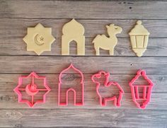 Ramadan Kareem Cookie Cutter Set 4 dlg / Eid Mubarak / Happy – Welcome to Ramadan 2019 Eid Crafts, Ramadan Crafts, Ramadan Decorations, Ramadan Desserts, Ramadan Recipes, Eid Recipes, Eid Sweets, Ramadan Food, Table Presentation